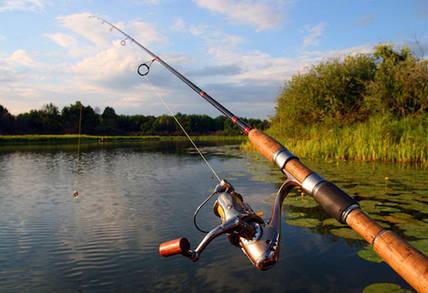 Что взять на рыбалку с ночевкой: список необходимых вещей