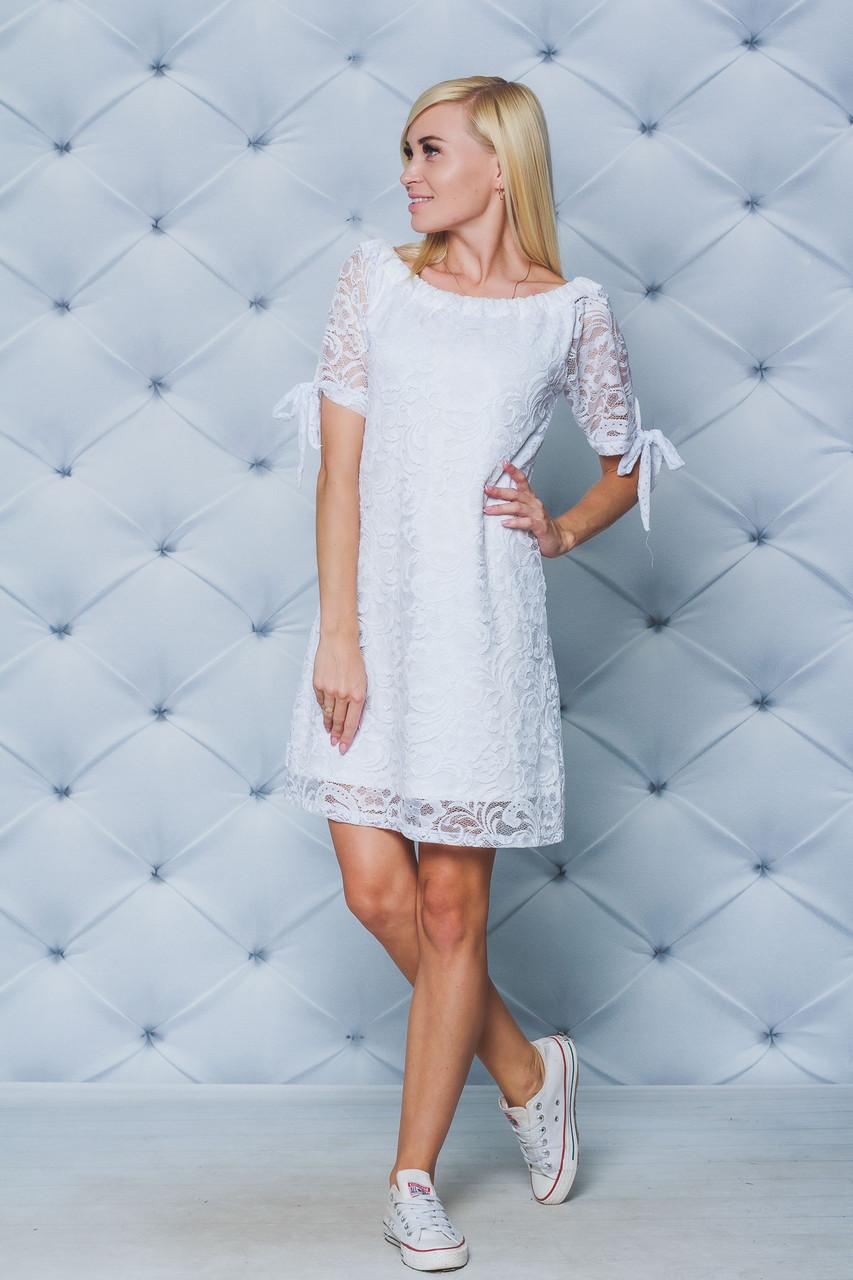 Кружевное короткое платье белое
