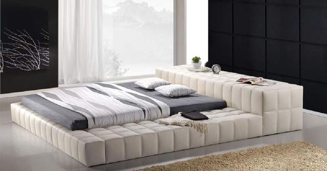 Кровать двухспальная Люкс.