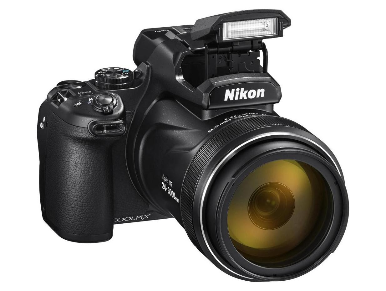 Фотокамера Nikon Coolpix P1000