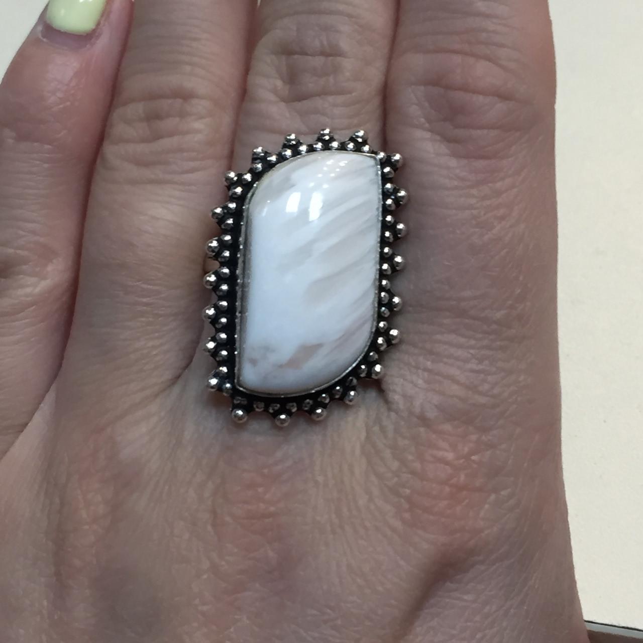 Сколецит кольцо с натуральным сколецитом в серебре размер 19 Индия
