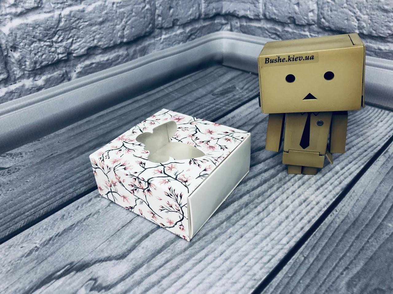 *50 шт* / Коробка для пряников / 80х80х35 мм / печать-Сакура / окно-Бабочка