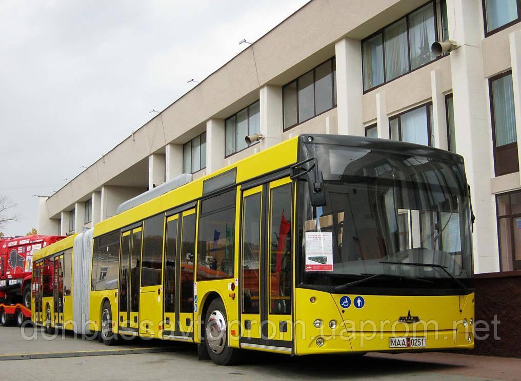 Новый городской автобус особо большой вместимости МАЗ 215 069