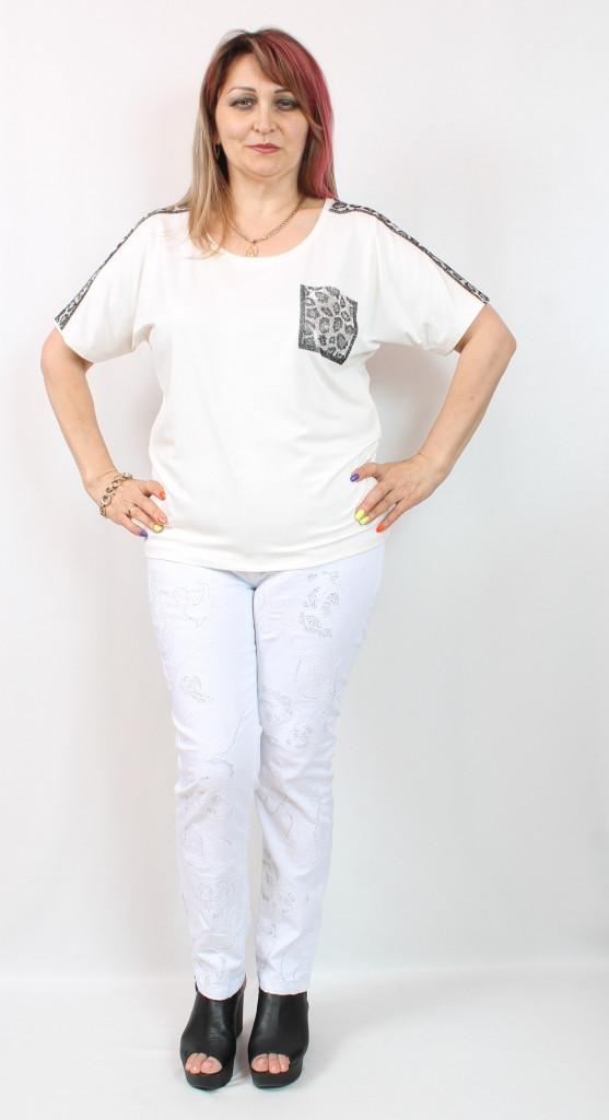 Белая женская футболка с леопардовым прином Турция, размеры 50-54