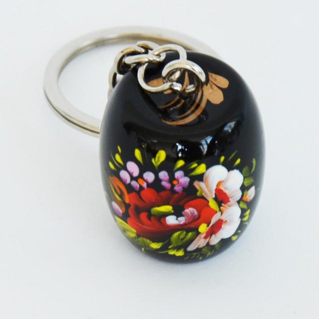 украинский сувенир ― деревянный брелок