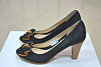Женские черные туфли с открытым носочком Falco