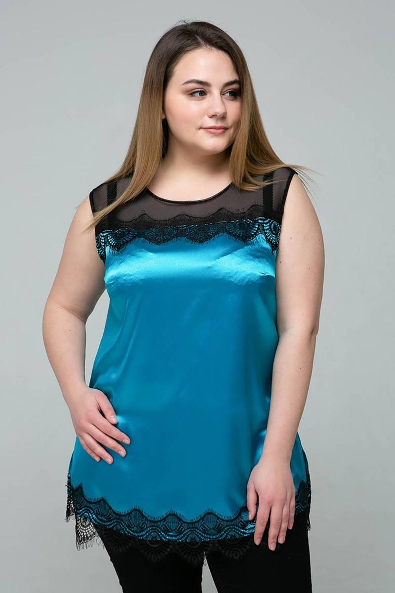 Атласная блуза с кружевом Тони (54-60)  голубая