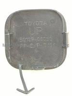Продам заглушку бампера на toyota camry-2007