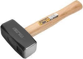 Кувалда с ручкой из дерева, 2000g