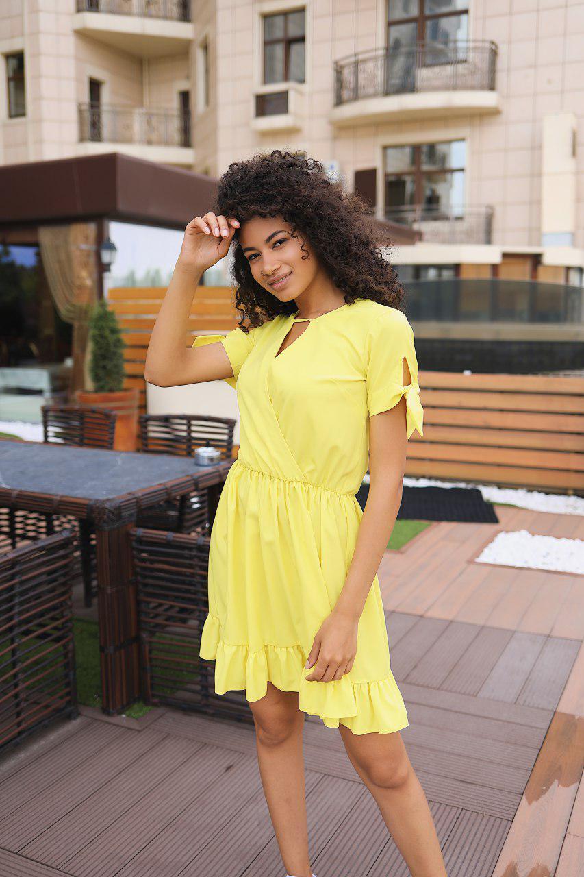 Стильное коктейльное платье мини - желтое