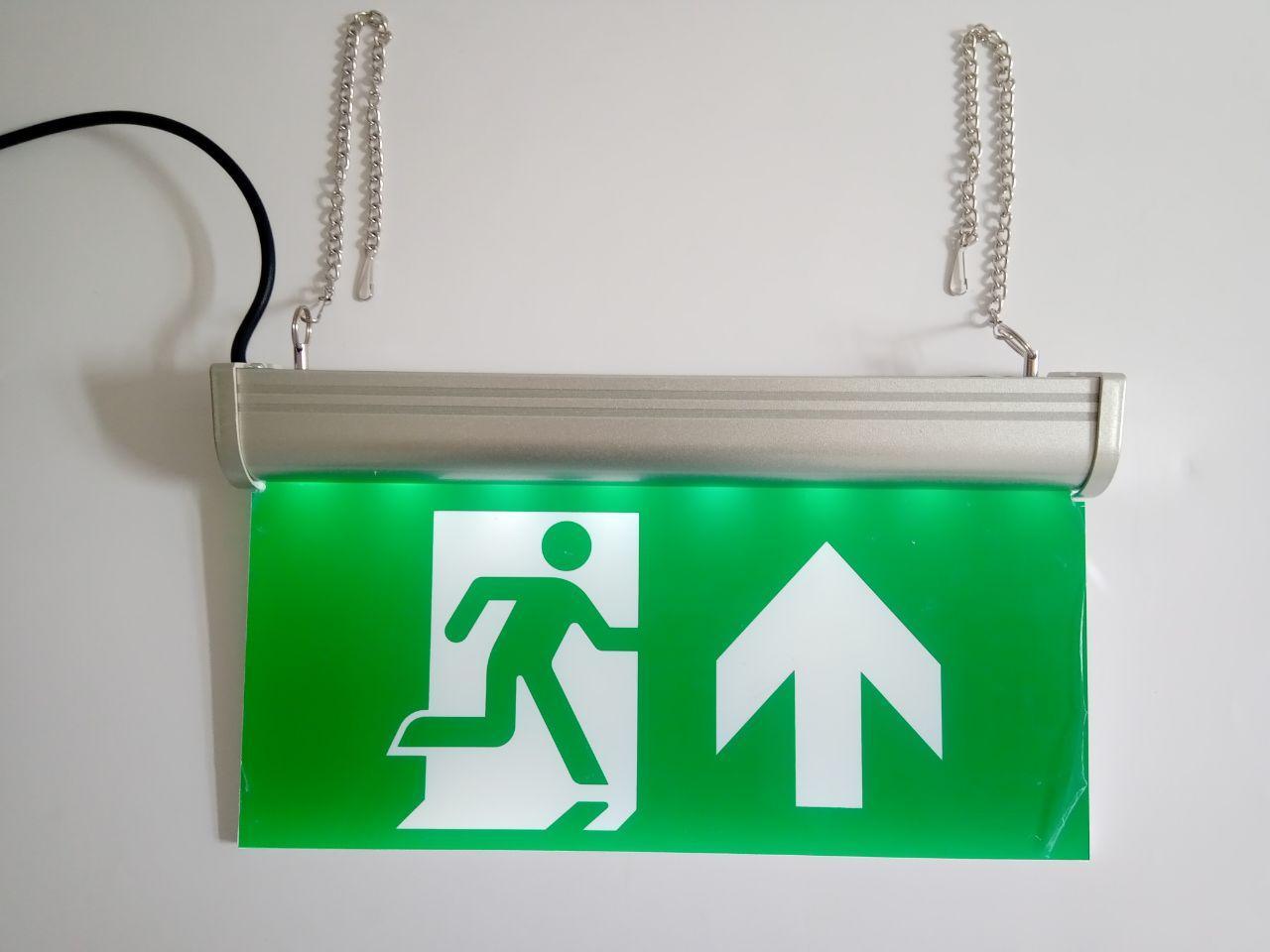 Указатель эвакуационного выхода со стрелкой вверх аккумуляторный для аварийного освещения 220В