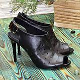 Женские кожаные черные босоножки на шпильке, фото 3