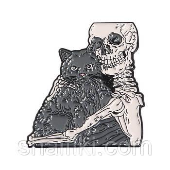 """""""Скелет с чёрным котом"""" значок (пин) металлический"""