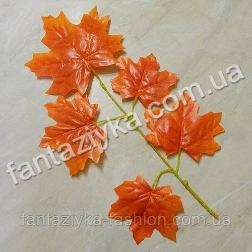 Ветка крупного осеннего клена оранжевая 40см