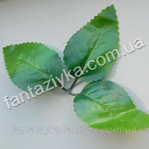 Искусственный лист розы средний тройной, зеленый