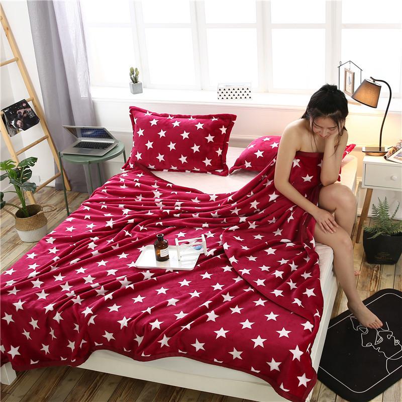 Плед покрывало 200х220 велсофт Звезды красные на кровать, диван