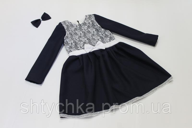 Школьное платье с рукавами с гипюром