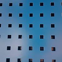 Перфорированная панель, 1×2 м., металлическая, под крючки, ячейка квадрат 8×8, шаг 24 мм., в рамке из трубы., фото 1
