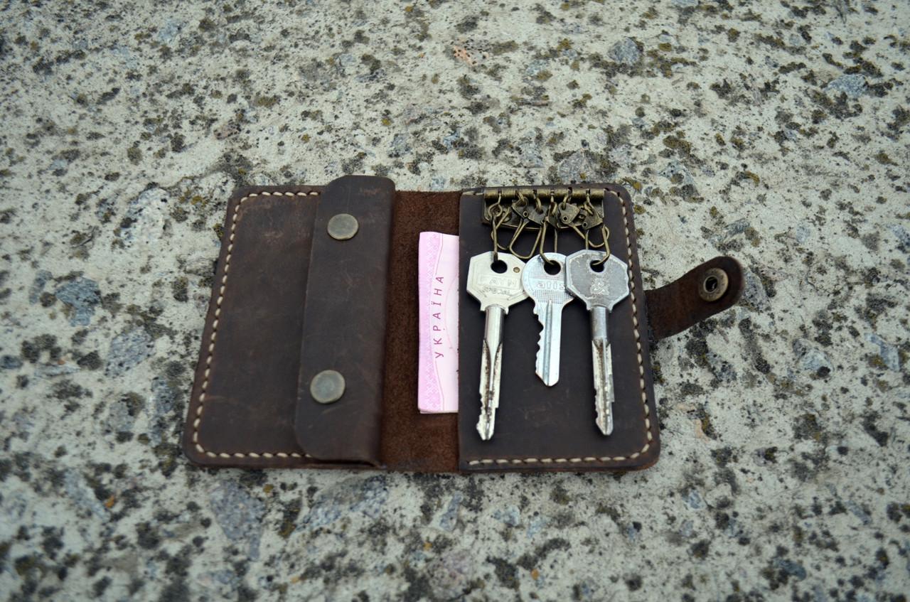 Коричневая ключница Mr. Falke из натуральной кожи с карманом под кредитку