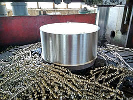 Обработка высоколегированных сталей, заготовка в работе на токарно-карусельном станке 15/40.
