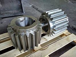 Готовые шестерни механизма подъема стрипперного крана, диаметр - 368 мм., модуль - 16, количество зубьев - 21.