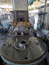 """Станок 5А342 (Зубофрезерный):  • Диаметр обрабатываемых колес: наибольший 2000 мм наименьший 200 мм • Наибольшая допустимая нагрузка на стол 20 000 кг • Наибольший угол наклона зуба 45 градусов ООО """"Укрремпром"""" г.Днепр"""
