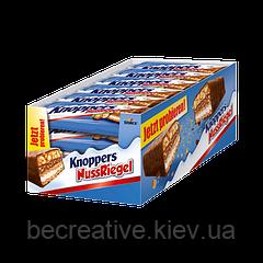 Шоколадно-вафельные батончики с молочно-нуговым кремом Knoppers Nussriegel, 24 шт