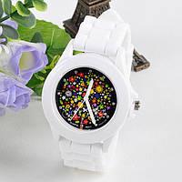 Часы с цветочным принтом