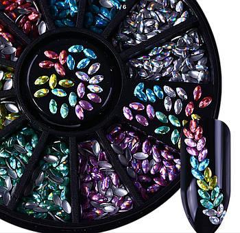 Декор для ногтей ( клёпки) в карусели