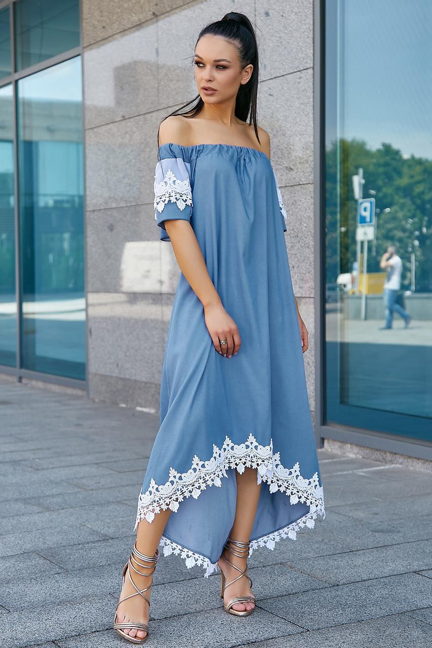Нарядное женское платье с кружевом