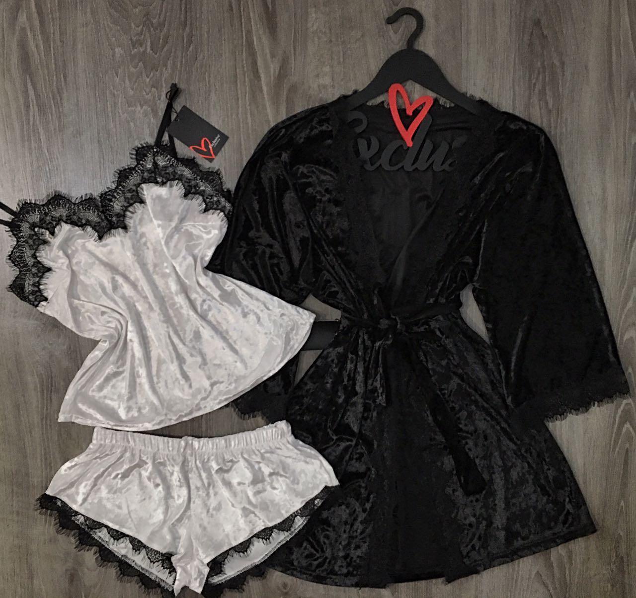 Черно-белый велюровый комплект халат и пижама.