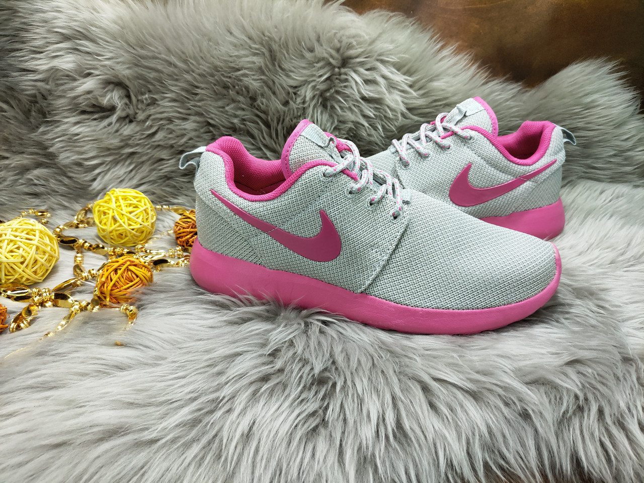 Женские кроссовки Nike Roshe Run (37 размер) бу