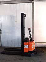Штабелер электрический поводковый TOYOTA BT S12  2004 1,2т 1,7м