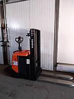 Штабелер электрический поводковый Toyota BT SPE 200 L 2т 2.1м-высота подьема