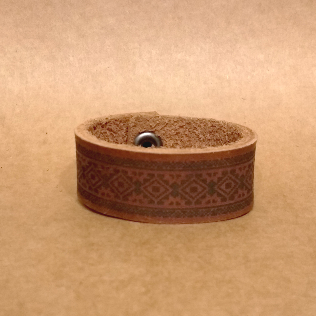 Браслет из натуральной кожи. Кожаный браслет ручной работы.
