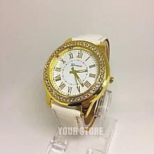 Женские часы с кожаным ремешком