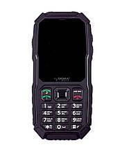 Кнопочный защищенный телефон с большим экраном и кнопкой SOS и отверстием для шнурка Sigma X-treme ST68 черный