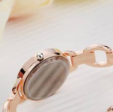Стильные женские часы на руку золотые, фото 3