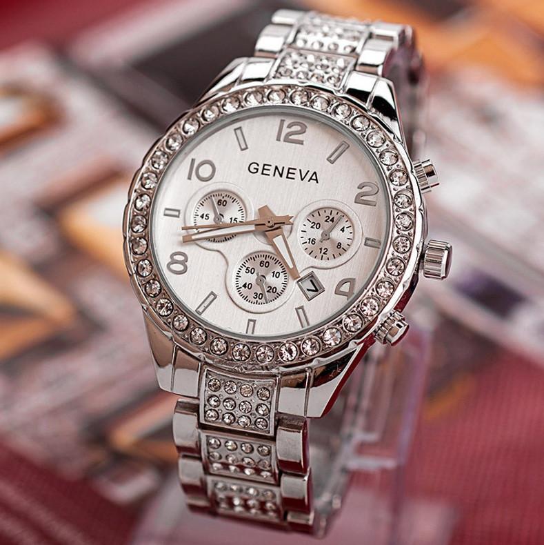 Часы женские наручные с камнями сваровски