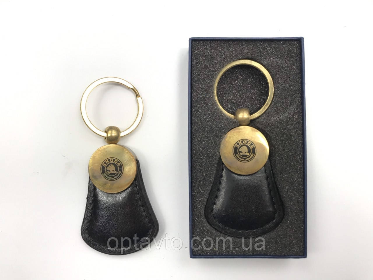 Брелок на ключи черный Шкода
