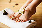 Особенности летнего ухода за ногами