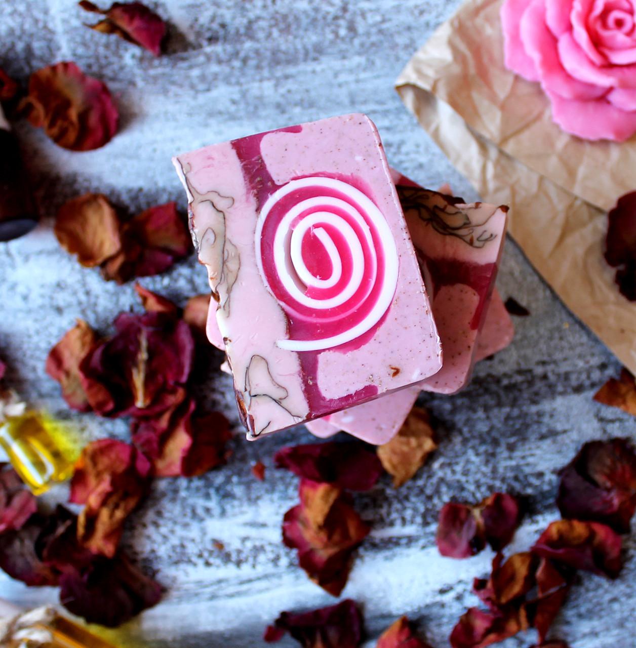 Натуральное мыло Дамасская роза скраб