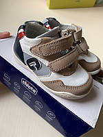 Детские фирменные кроссовки Chicco