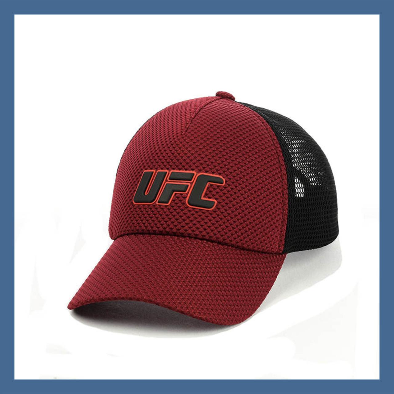 Кепка- бейсболка с сеткой и резиновым патчем UFC