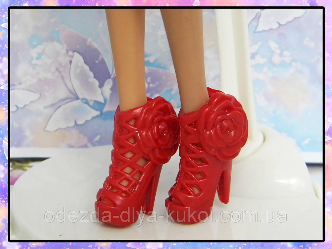 Взуття для Барбі (босоніжки)