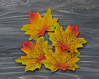 Осенний листочек зелено-оранж 7 см 1 шт