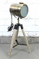 Светильник напольный прожектор торшер в стиле лофт на низкой деревяной треноге Модель 14