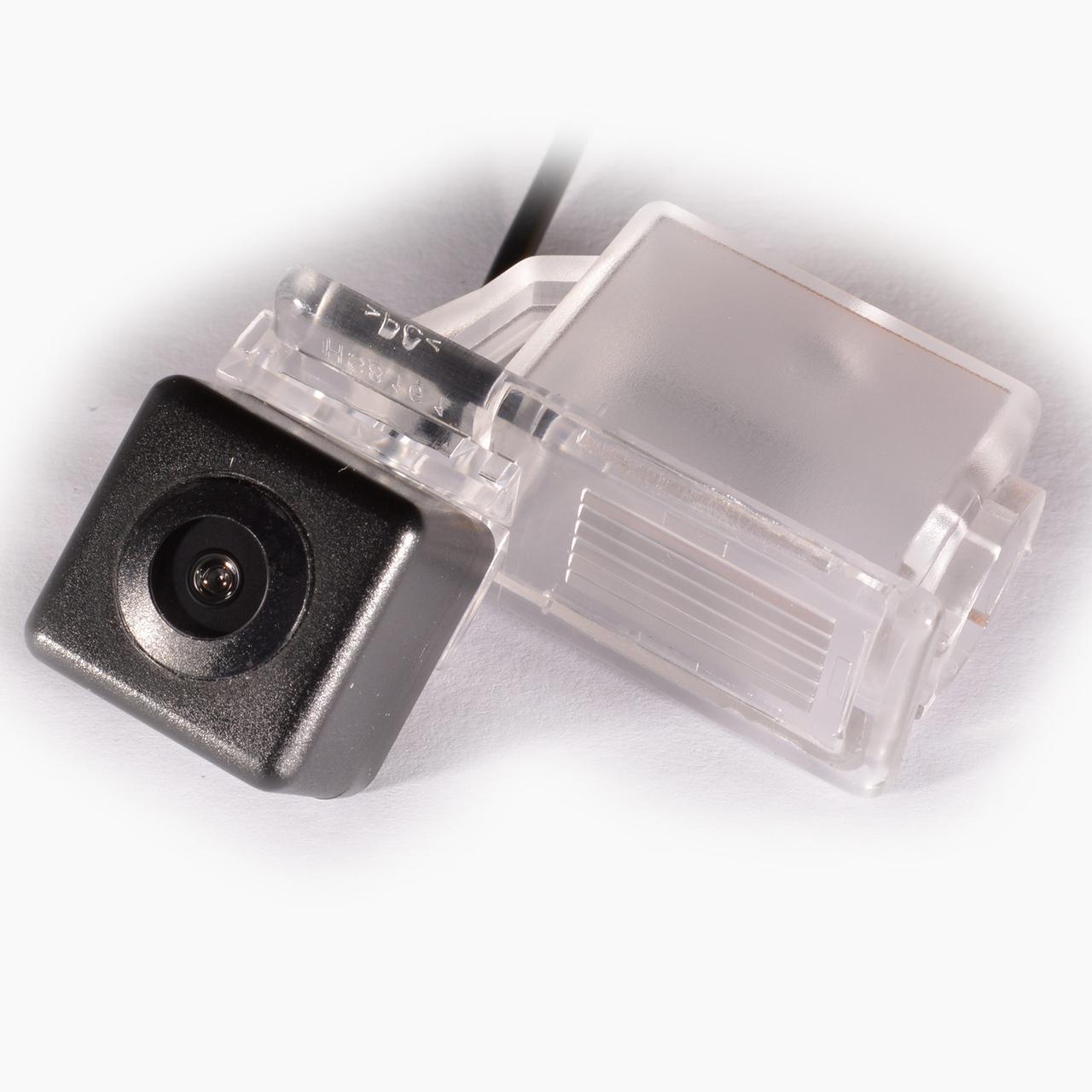 Штатная камера заднего вида IL Trade 9587 GEELY