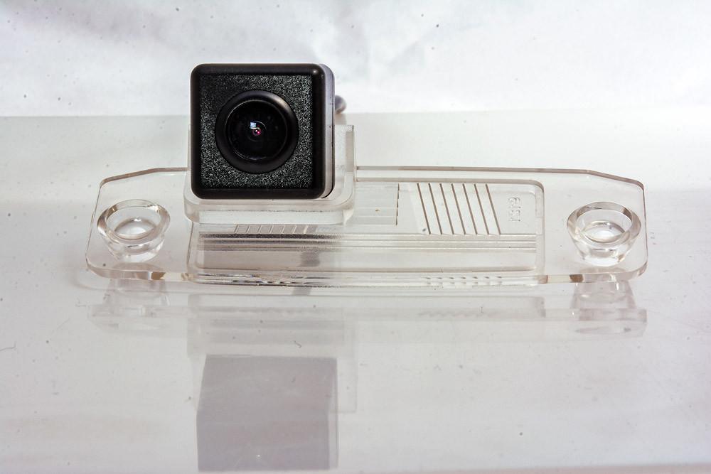 Камера заднего вида Fighter CS-HCCD+FM-01 Hyundai / Kia (3869349)