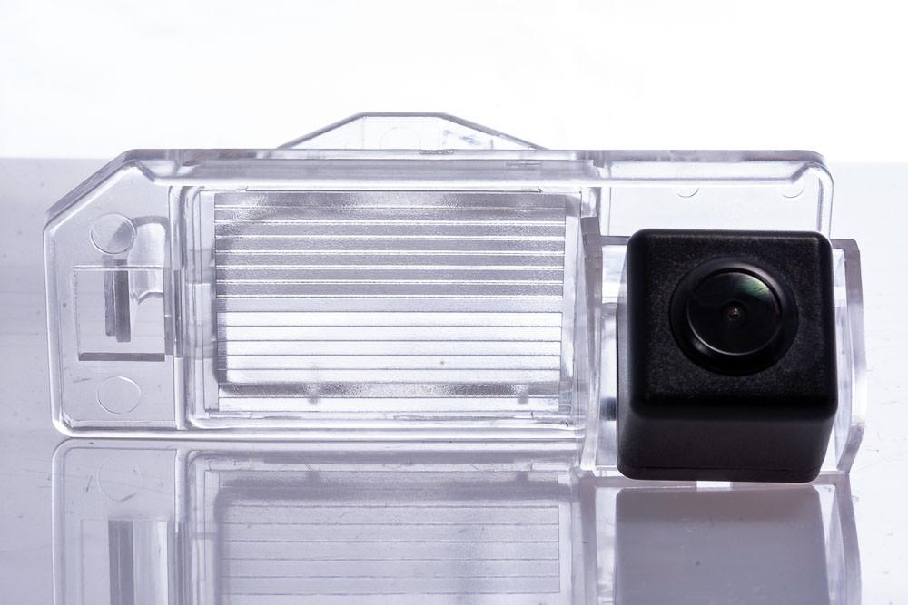 Камера заднього виду Fighter CS-HCCD+FM-36 Mitsubishi (3869415)